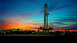 US oil rig count up by 2 to 875 - Baker Hughes