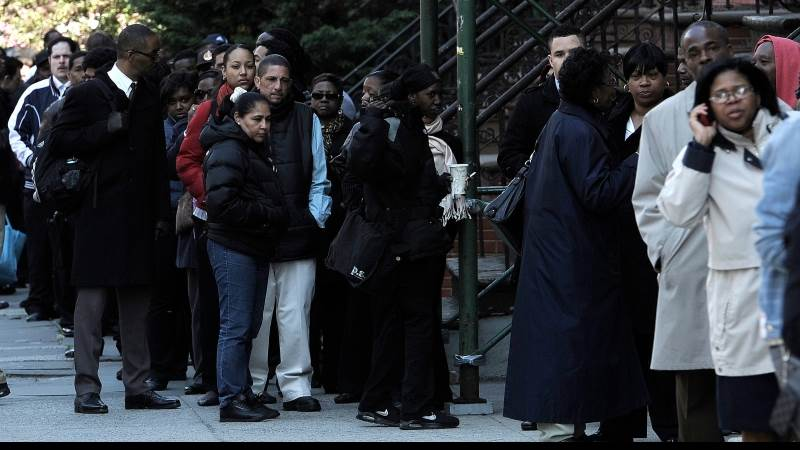 US initial jobless claims down 1,000 to 214,000