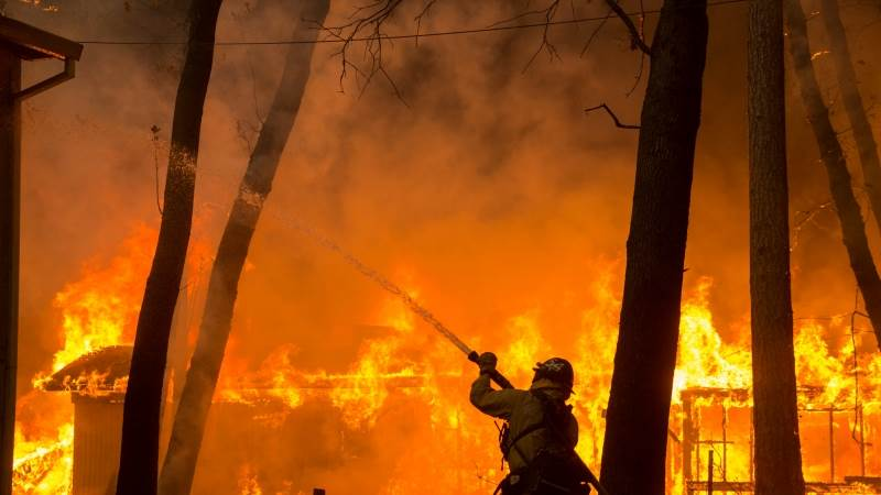 5 killed in California wildfires