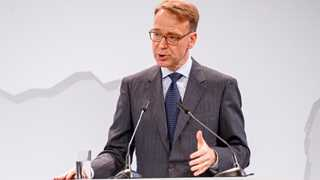 Weidmann urges curbing stimulus to gain firepower