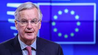 Barnier suggests extending Brexit transition