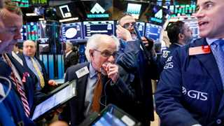 US stocks end sharply lower amid global selloff
