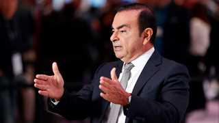 Renault keeps Ghosn as CEO despite arrest