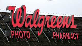 Walgreens, Humana plan reciprocal stake purchase - report