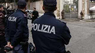 Man arrested after taking 21 hostage in Italy