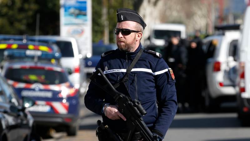 Woman threatens with bomb in south France