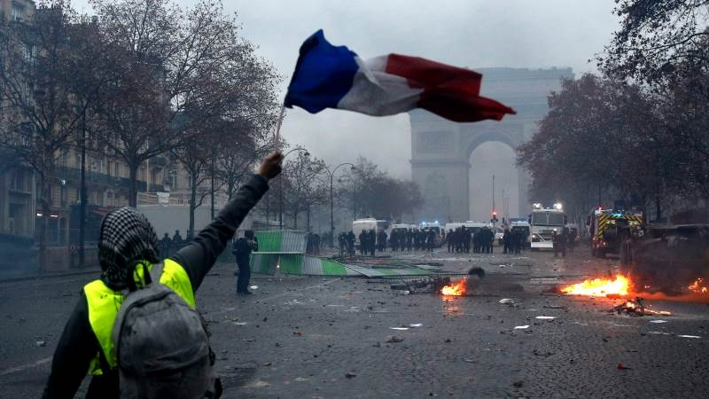 At least 270 arrested, 110 injured in Paris protests