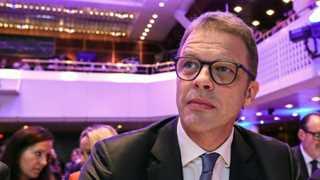 Deutsche Bank CEO dismisses merger possibility