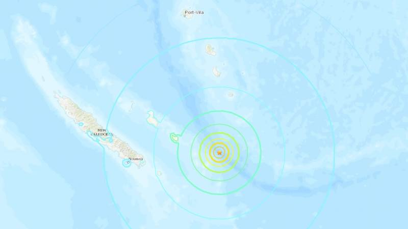 Strong aftershock hits New Caledonia, tsunami warning issued