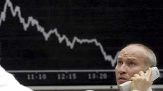 European shares to fall as trade uncertainties remain