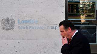 Stocks in Europe fall amid geopolitical risks