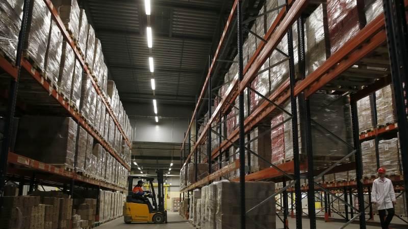US factory orders dip 2.1% in October