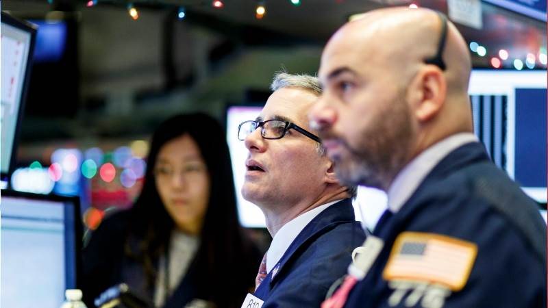 Dow tumbles 600 points in volatile session