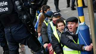 French police arrests over 1,700 in Yellow Vests protests