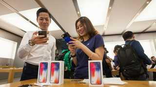 Apple asks Chinese court to allow iPhone sales