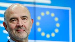 Moscovici: EU to 'closely monitor' French deficit