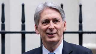 Hammond to prepare over £100M no-deal Brexit - report