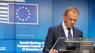 Tusk: Will meet PM May for 'last minute talks'