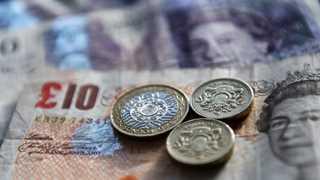Pound falls on resurfacing Brexit worries