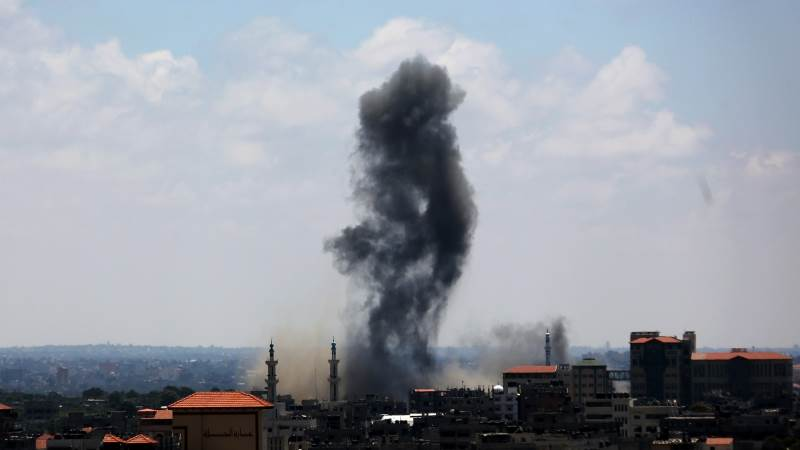 Gaza explosion injures at least five