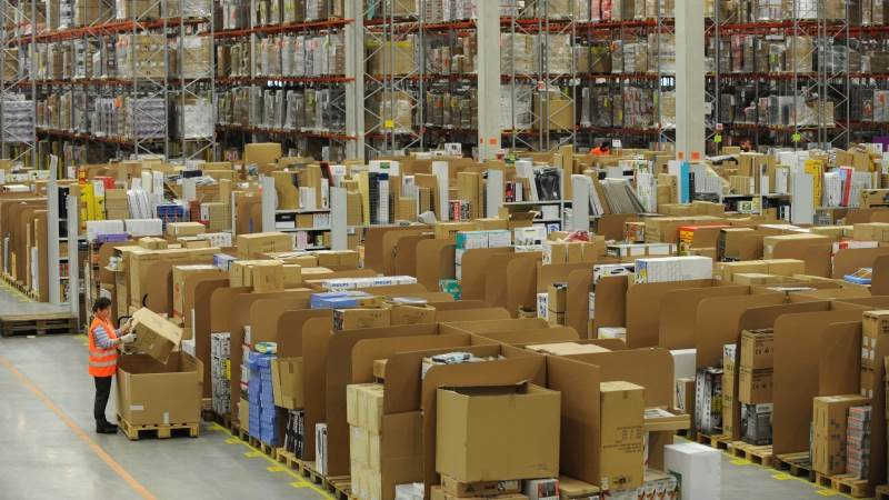 Amazon to take stake in warehouse robotics firm