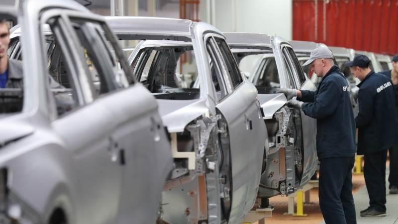 Geely denies cutting stake in Daimler