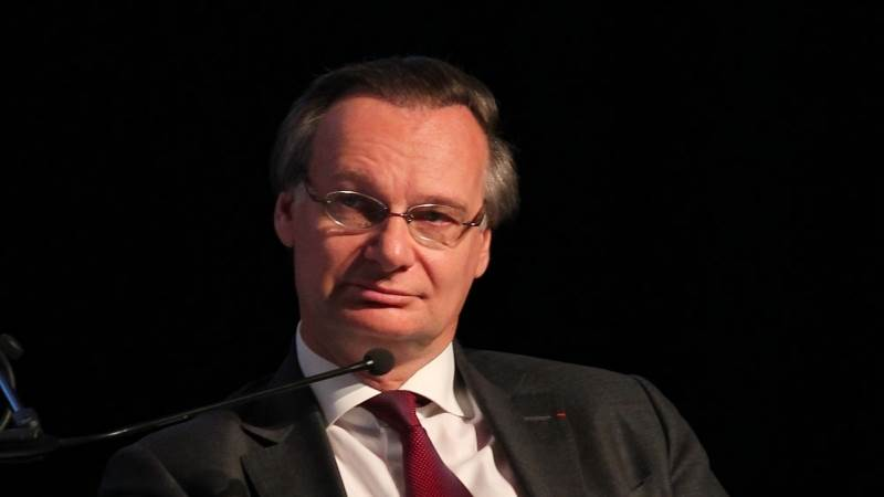 Accenture CEO quits post over health concerns