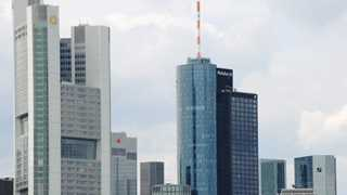 Germany mulls merger of two biggest banks – report