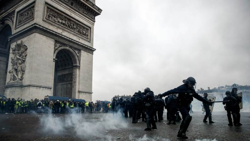 Over 100 Yellow Vests arrested in Paris
