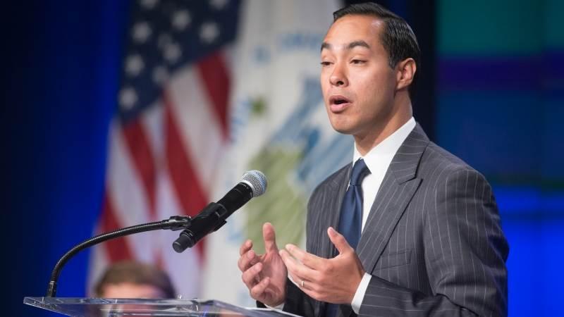 Democrat Julian Castro announces run for WH