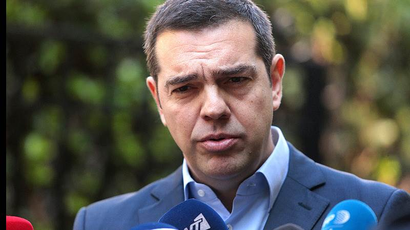 Tsipras calls confidence vote after minister resigns