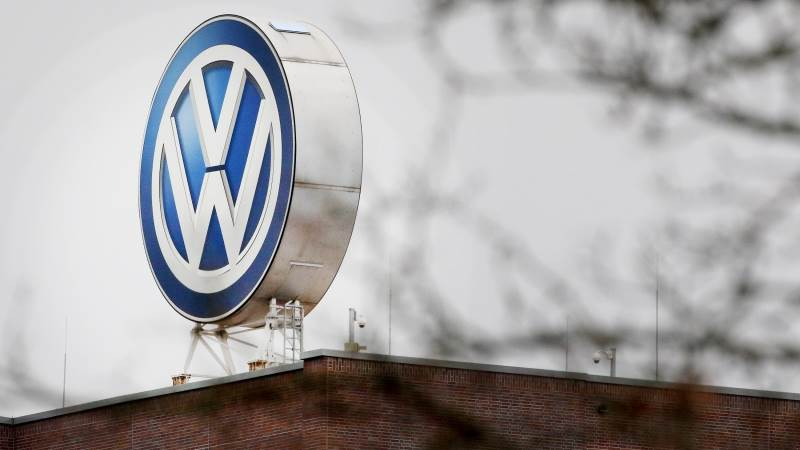 VW to invest $800M in US factory to make e-cars