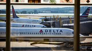 Delta Air Lines posts revenue of $10.7B in Q4, up 5% YoY