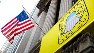 Snap shares plunge over 11% after CFO exit