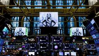 US markets open higher on strong bank earnings