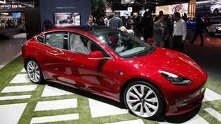 Tesla to lay off 7% of employees, stock sinks 4.5%