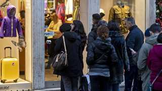 Consumer morale cools to lowest since 2016 in US