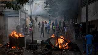 Venezuela captures rebel guardsmen in Caracas