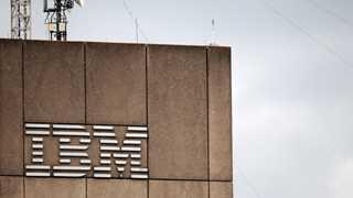 IBM revenue falls 3% to $21.8B in Q4