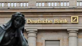 Two House leaders plan joint probe into Deutsche Bank