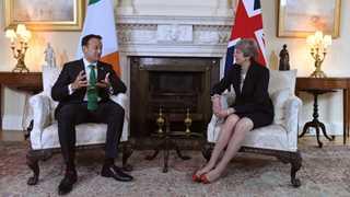 London offers bilateral talks on backstop to Dublin