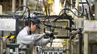 Japanese manufacturing PMI falls to 50.0 in January