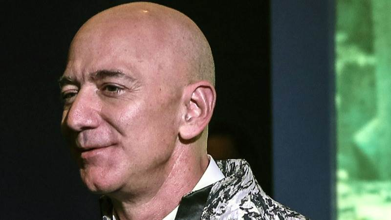 Jeff Bezos Is First Person To Amass 200b Fortune Report Teletrader Com