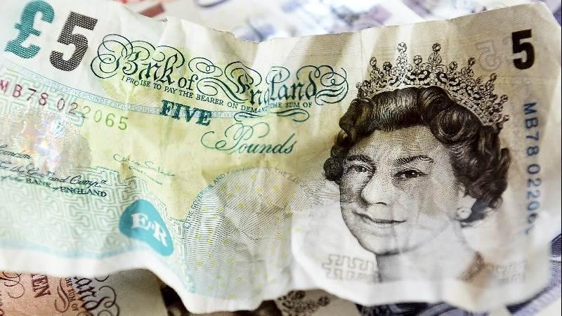 U.K. inflation data helps pound rise