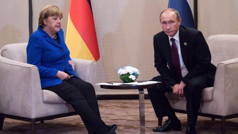 Merkel invites Putin for talks in Germany