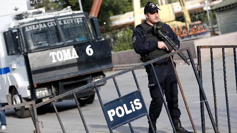 Turkish police kill suspect bomber in Ankara