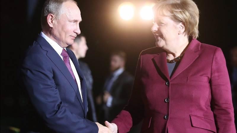 Putin arrives in Berlin for Donbass talks