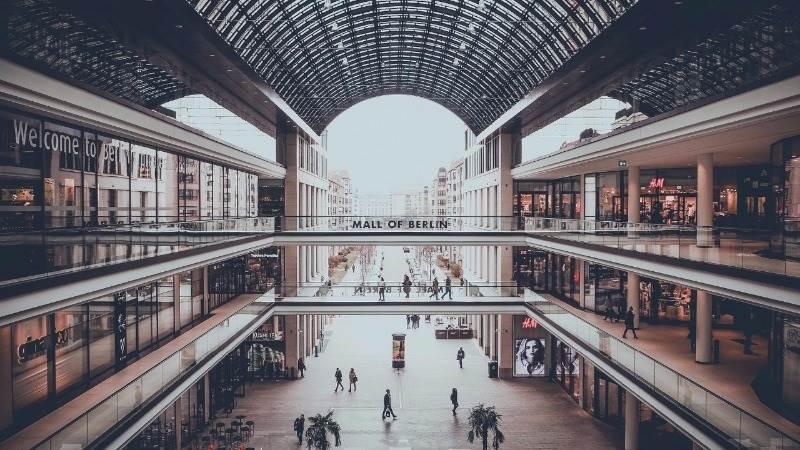 German retail sales fall 1.0% in October