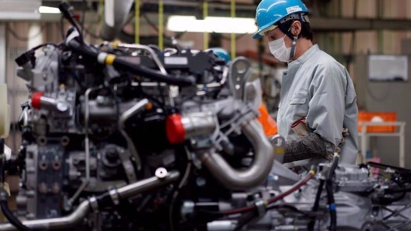 Japan's industrial production edges higher in October