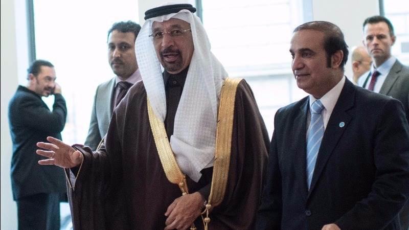 Oil soars 6% as OPEC nears deal